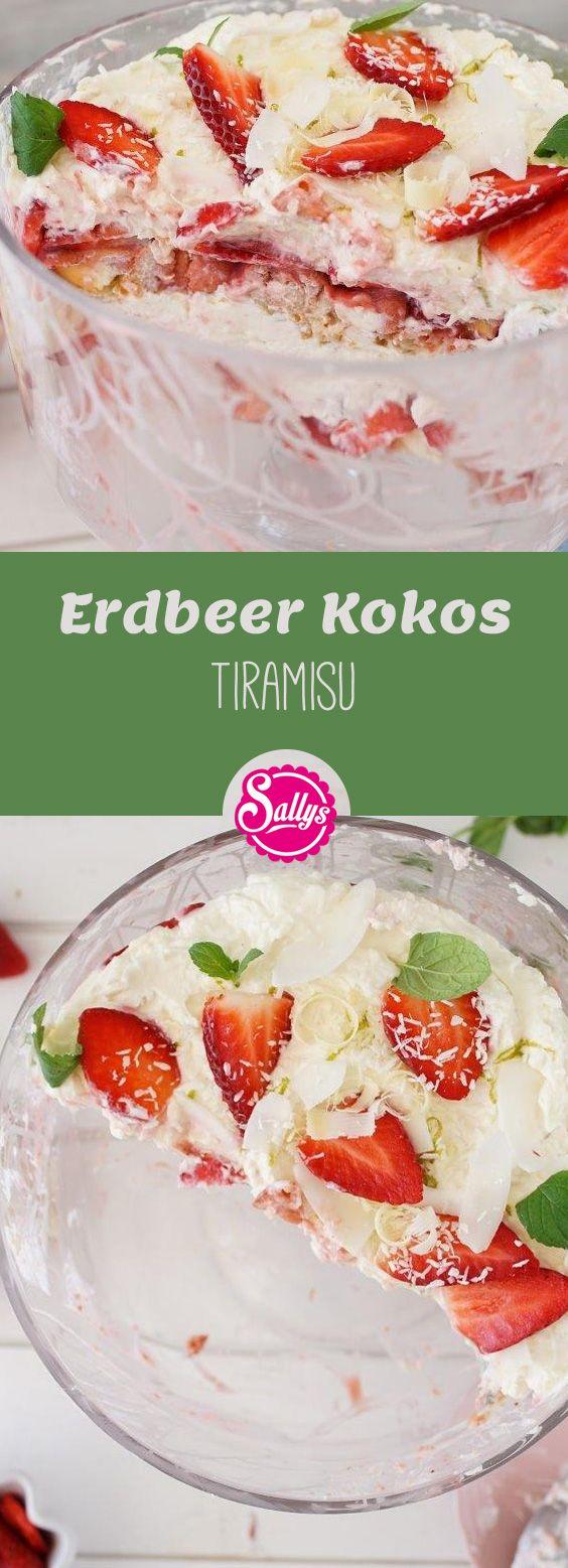 Fruchtig und sommerlich: das Erdbeer Kokos Tiramisu mit Löffelbiskuits, einer Erdbeersoße und einer leichten Mascarpone-Quarkcreme.