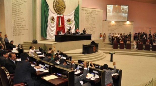 Le dan palo al intento de Yunes para reestructurar deuda pública en el estado - http://www.esnoticiaveracruz.com/le-dan-palo-al-intento-de-yunes-para-reestructurar-deuda-publica-en-el-estado/