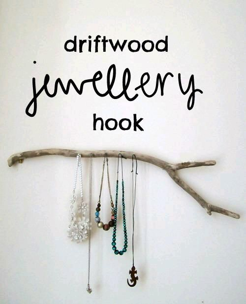 #DIY Driftwood Jewelry Hook : DIY Wood Crafts Recycle