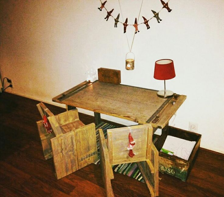 Diy kids painting table corner, gray wash paint and crayons make the difference :)