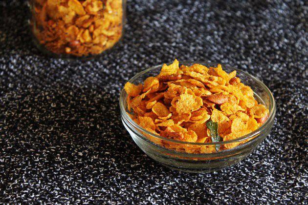 Corn flakes chivda recipe   Healthy corn flakes namkeen for diwali