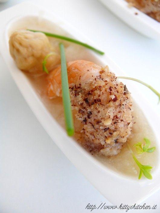Crema di asparagi bianchi con scampi in crosta di nocciole e germogli - Kitty's Kitchen