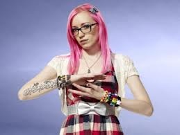 Danielle from King of the Nerds hair love