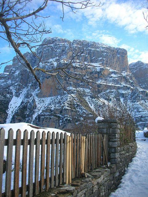 Mountain  Vikos village, Zagorochoria, Epirus, HELLAS www.house2book.com