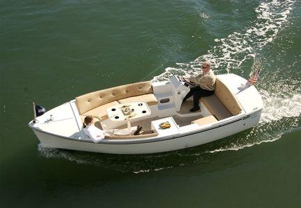 Duffy 18 Snug Harbor elektrische sloep | de stille boot