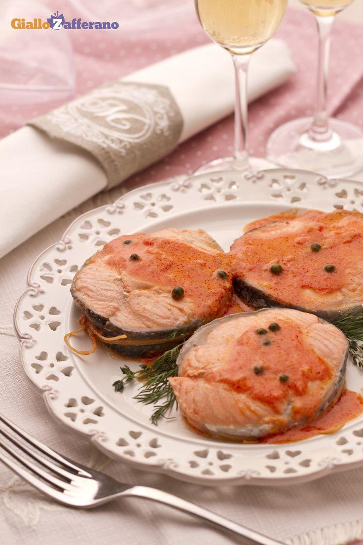 Medaglioni di salmone al pepe verde: una preparazione saporita, delicata e davvero elegante, che si presta benissimo ad essere preparata in occasioni speciali!  [Salmon with green peppercorns]