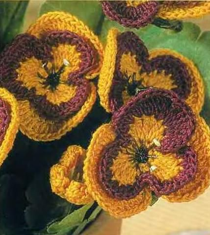 Crochet Flower Free Pattern (huge amount of free patterns for flowers at this site).  Diagram patterns