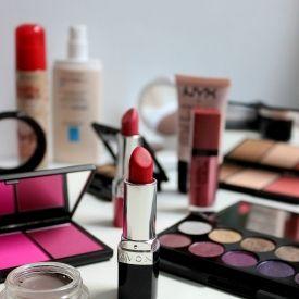 Pristupačne cijene i kozmetika brendova Sleek, NYX, Bourjois, Deborah Milano, Artdeco.. itd.
