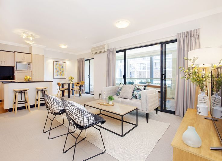 TENERIFFE 11/33 Helen Street... This vacant 123m2 apartment offers a stylish lifestyle option for those seeking the absolute best in inner-city lifestyle.