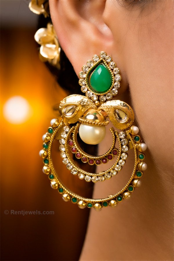 Pearls, green and gold make an elegant combination. #indianwedding #gorgeous