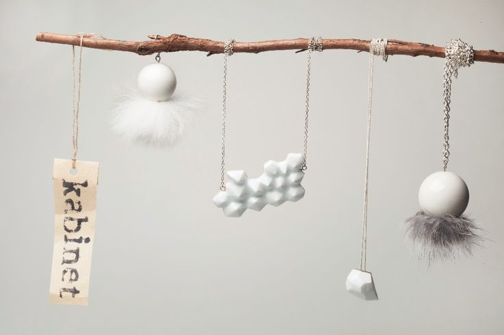 Kabinet - porcelain jewellery and objects