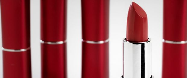 Is Your Lipstick Toxic? | Dr. Josh Axe Lead is found in 75 percent of lipsticks, and most women ingest way more of the product than they think.