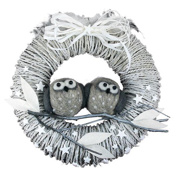 Styroxpallojen päälle huovutetut pöllöt sopivat vaikkapa kranssin koristeeksi!