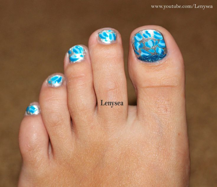 Toe Nail Design for Beginners: Silver and Blue Leopard