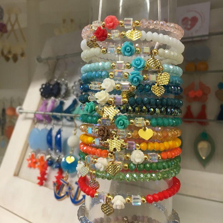 #duepuntihandmade #handmade #handmadewithlove #diy #doityourself #bracelets #colors #summer #pearls #easy #gifts