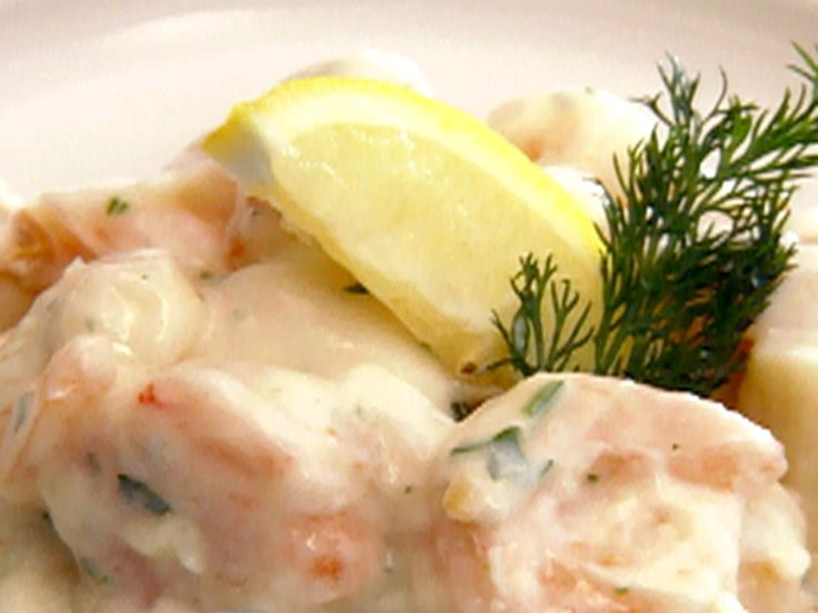 Garlic Cream White Wine Sauce: I used the sauce from this recipe. Instead of shrimp and scallops I used lobster. I also just used the same saucepan as I used to cook the lobster.