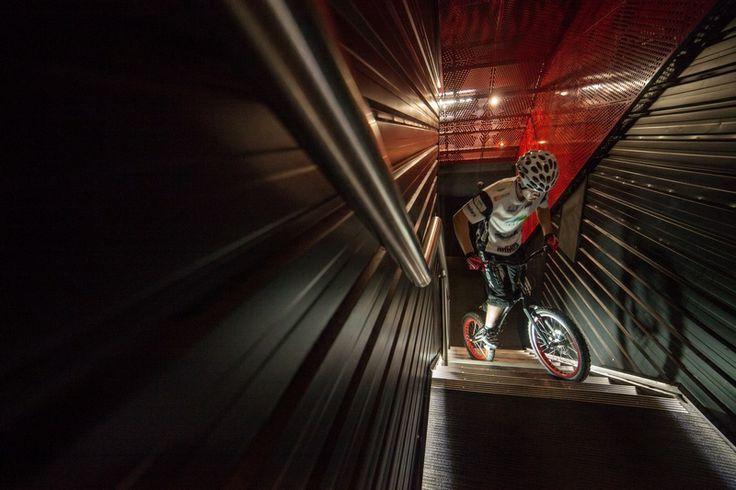 Krystian Herba pobija rekord Guinessa na rowerze http://rekordyguinessa.pl/krystian-herba-pobija-rekord-guinessa-na-rowerze/
