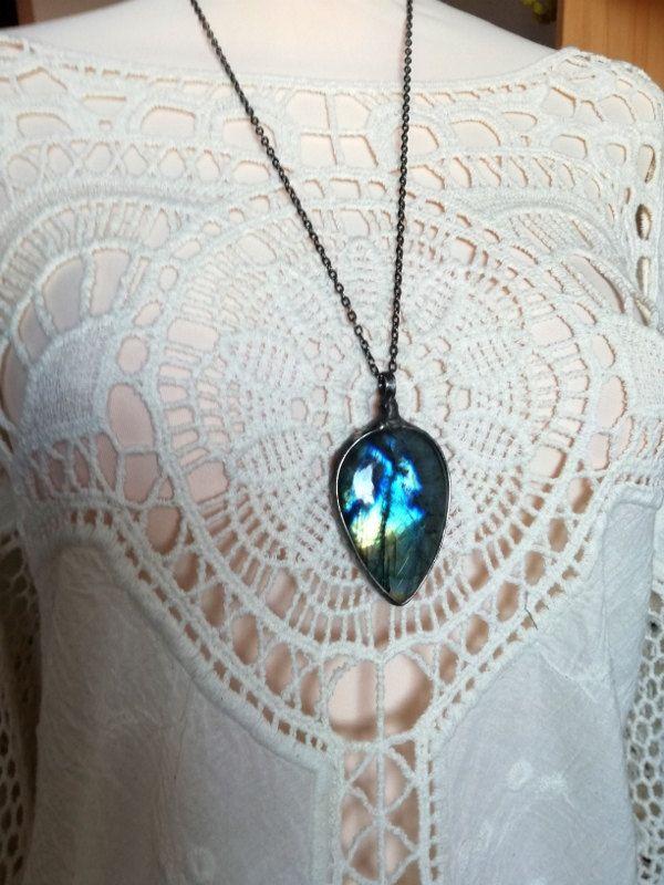Labradorite Necklace, blue Shiny Labradorite,Labradorite jewelry,retro necklace,boho jewellery ,hand made positive energy buddha necklace by BUSTANI on Etsy
