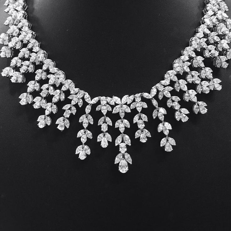 @jewelryjournal. Off to Dream of This Magnificent @unialmaz necklace! @unialmaz will be showcasing their stunning pieces at upcoming Doha jewelry show