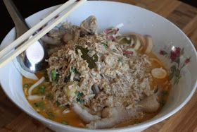 Malisa's Food Blog: Kellie's Chicken Khao Pune (Laotian Curry Noodles)