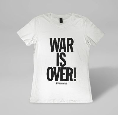 T-Shirt Yoko Ono War is Over Assorted