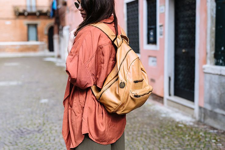 The Californian backpack in tan leather. Shot in Venice by Cassandra Ladru wandererstravelco.com