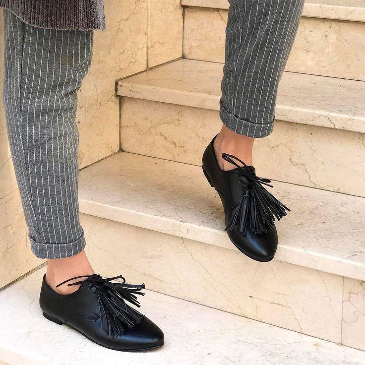 Oxford Püsküllü Siyah Renk Günlük Bayan Ayakkabı  WhatsApp Bilgi Hattı ve Sipariş : 0 (541) 2244 541  www.renkliayaklar.net