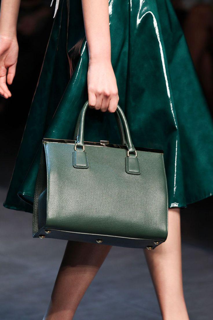 dolce-and-gabbana-ss2014-runway-22_green look handbag | Fashion Victim's Diary