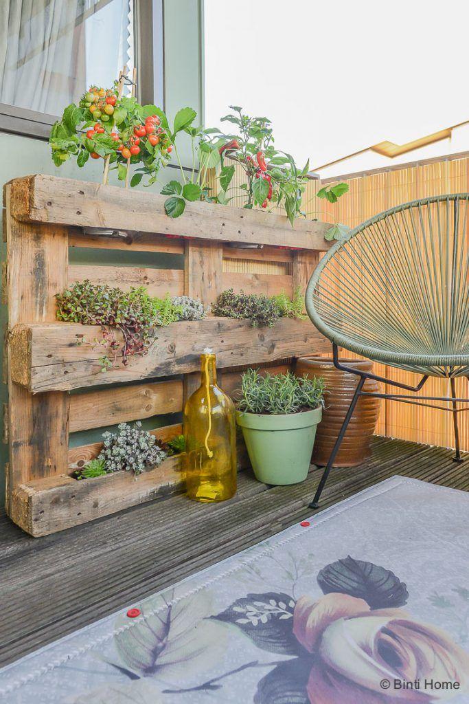 Balkon Inrichten Balkon Inspiratie Met Veel Planten En Dutch Design Klein Balkon Decor Balkon Bloemen Tuinieren Op Het Balkon