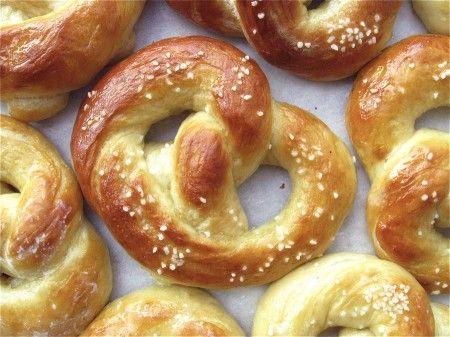 Hot Buttered Soft Pretzels: twisted bliss | King Arthur Flour – Baking Banter
