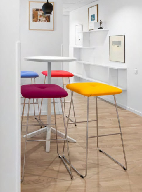 contemporary bar stool DUNDRA by Stefan Borselius Blå Station