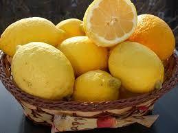 Limoni come conservare succo e buccia