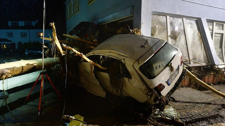 Drei Tote in Baden-Württemberg: Heftige Unwetter toben über Deutschland