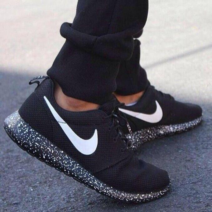 "2f0137354a8e Nike Roshe Run Custom ""Dark Galaxy"""