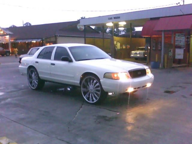 01crown Vic Car Images Wth 22 Quot Rims 1999 Ford Crown