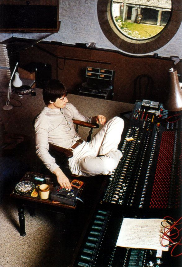 Mike Oldfield.