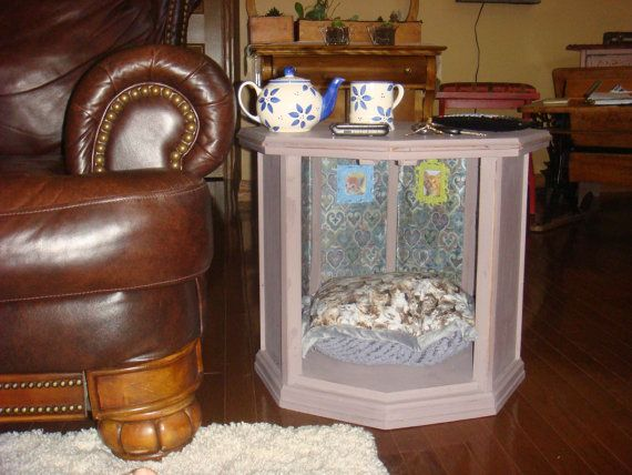 Eggplant Cat bed side table