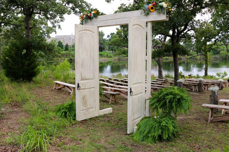 Beautiful doors for an outdoor wedding