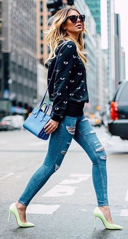 #thanksgiving #fashion ·  Printed Black Sweater // Blue Leather Bag // Ripped Skinny Jeans // Green Pumps
