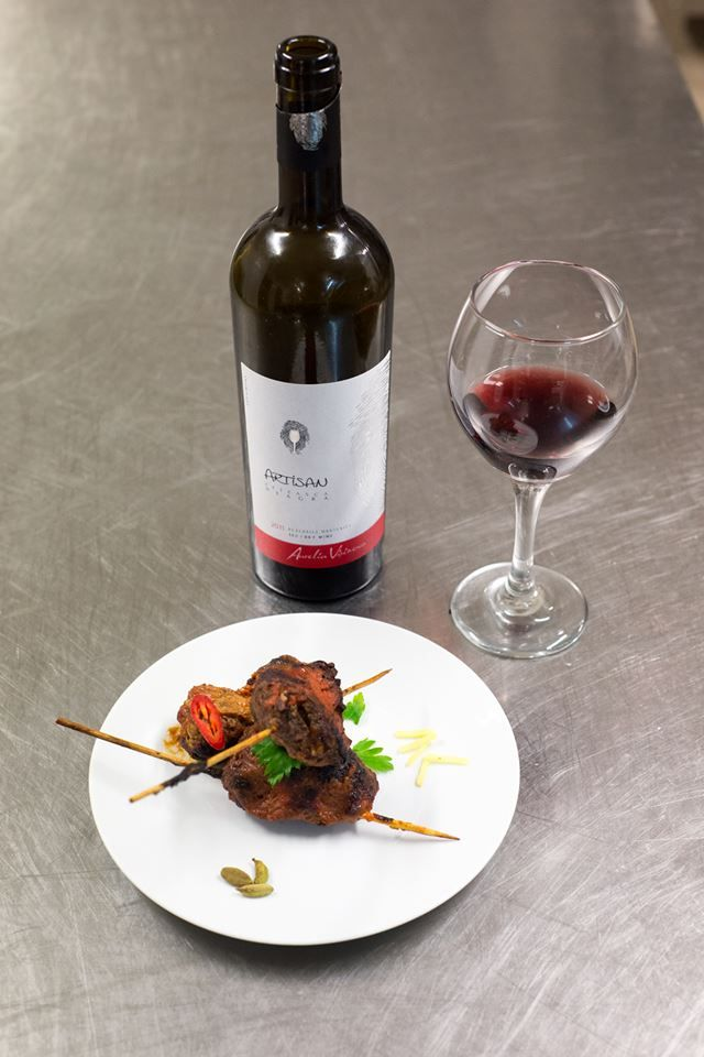 Red wine. Steak. Pairing.