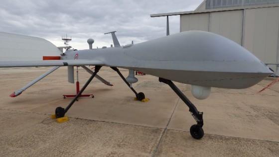 Nella base dell'Aeronautica Militare di Amendola, in Puglia, dove operano i velivoli Predator A+ e B. Tecnologia, intelligence e professionalità. Adesso