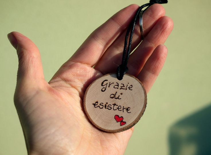 Wooden keychain with Name or drawing- pyrography - gift idea- personalized on request by JoyMadeInItaly on Etsy