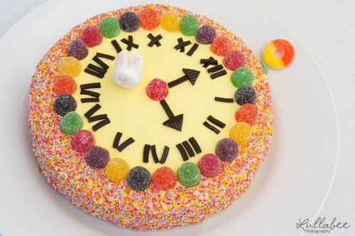 Alice in Wonderland Party | Kids Party Ideas | Woman's Weekly Birthday Cake | Clock Cake