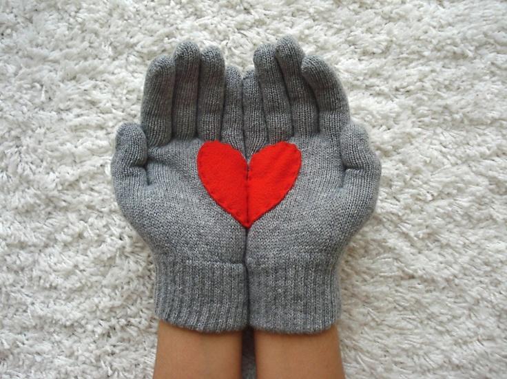 Hartje grijs: Gifts Ideas, So Cute, Hands, Cute Ideas, Heart Mittens, Sewing Diy, Heart Gloves, Heart Beats, Felt Heart