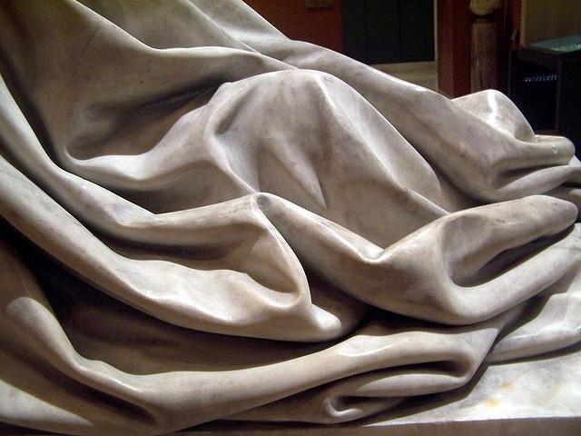 Robe, detail, Louvre, Paris