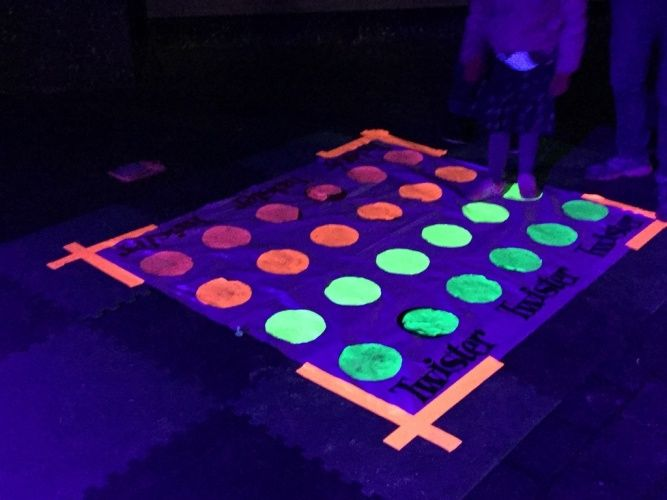 Glow In The Dark Party Games For Teenagers - PARTY IDEAS HQ
