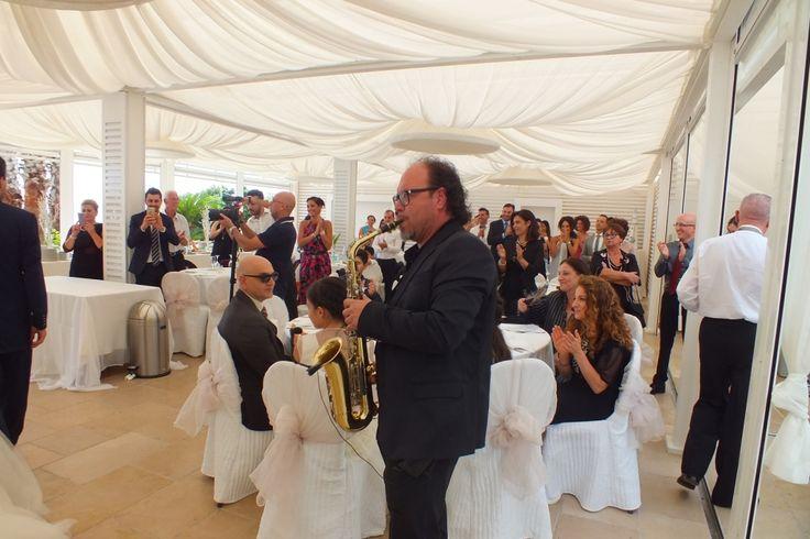 Matrimonio presso il ristorante e sala ricevimenti  la Grotta del Conte a Castro Marina con la musica del gruppo musicale di Lecce Paolo e Dalila Live