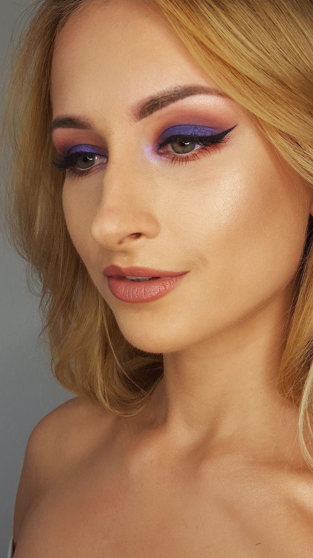 idygo makeup, colour makeup , green eyes look