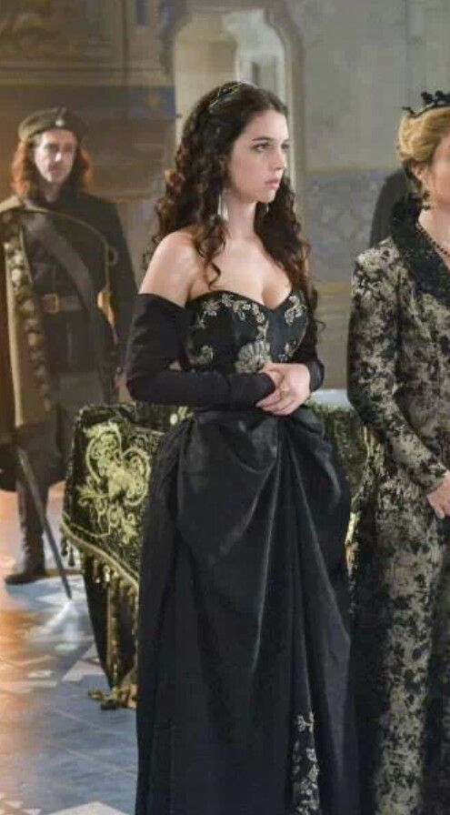 Mary from the show Reign. Love the dress. Even though this is an Elizabethan era dress, I would still wear today for any special occasion...