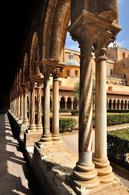 Sicilia - Monreale - Cloister of the Duomo (1174 AD)